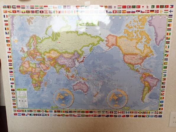 世界地図 頭がいい子の家のリビングには必ず「辞書」「地図」「図鑑」がある